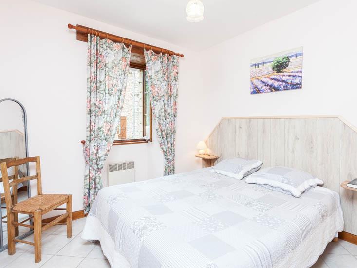 Maison-Vacances-les-Chataigniers-Chambre-1