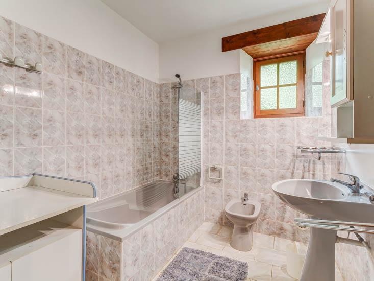 Maison-de-Vacances-la-Croix-du-Notaire-Salle-de-bain-1