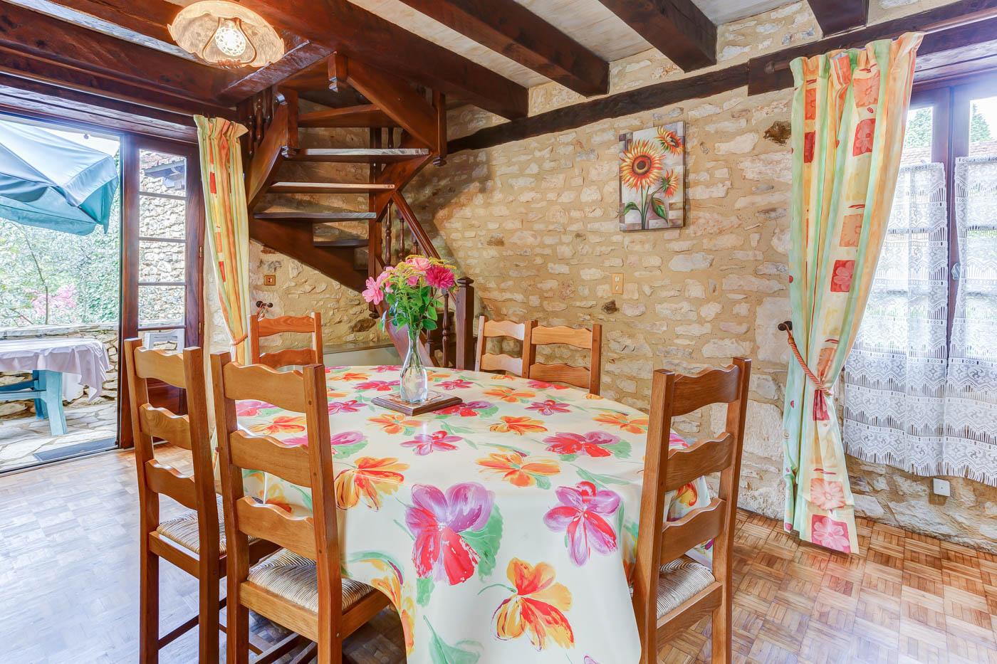 Maison-Vacances-le-Sapin-4